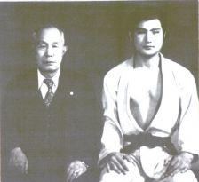 GM LIM Hyun-Soo, fondateur du Jungki Kwan, alors 7ème dan